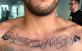 Neymar xăm hình mới, gác lại nỗi buồn World Cup 2018
