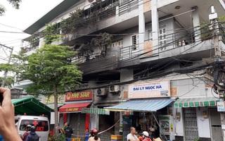 """Vụ cháy khiến 3 người trong 1 gia đình tử vong ở Sài Gòn: """"Chúng tôi dùng mọi cách phá cửa nhưng bất thành, tiếng kêu cứu trong nhà lịm dần"""""""