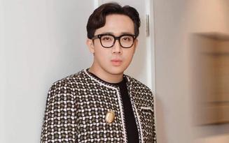 """Hoá ra loạt trang phục như """"mượn từ Hari"""" của Trấn Thành là từ show hẹn hò mới"""