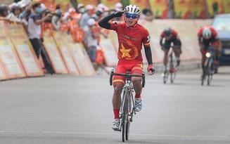 Vượt qua cú té ngã đau điếng, người lính trẻ Nguyễn Văn Nhã chiến thắng chặng đầu tiên tại Cúp Truyền hình TP. Hồ Chí Minh