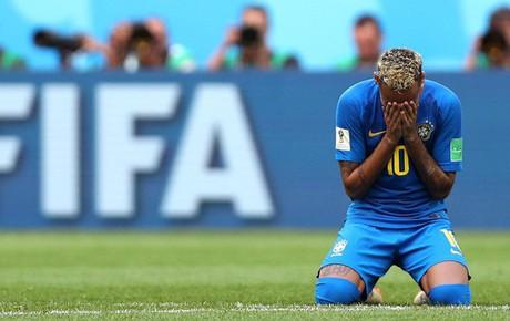 Neymar khóc rưng rức sau khi ghi bàn thắng đầu tiên ở World Cup 2018