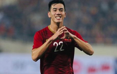 [Trực tiếp vòng loại World Cup 2022] Việt Nam vs Thái Lan: Công Phượng dự bị, Tiến Linh tiếp tục được trao niềm tin