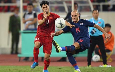 [Trực tiếp vòng loại World Cup 2022] Việt Nam 0-0 Thái Lan (H2): Văn Hậu lăn xả cứu thua