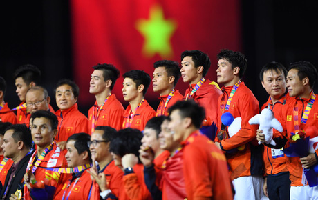 Thắng đậm Indonesia 3-0, Việt Nam lần đầu giành HCV SEA Games