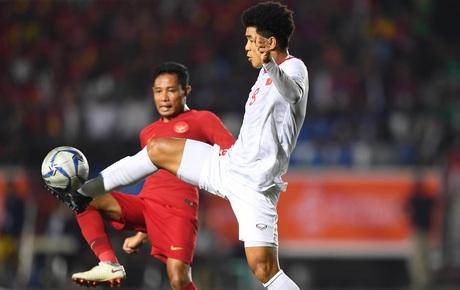 [Chung kết SEA Games 30] Việt Nam 1-0 Indonesia (H1): Văn Hậu đánh đầu lập công