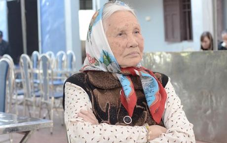 [Chung kết SEA Games 30] Việt Nam vs Indonesia: Bà nội thủ môn Văn Toản xúc động, gửi lời chúc tới cháu trước trận đấu lịch sử