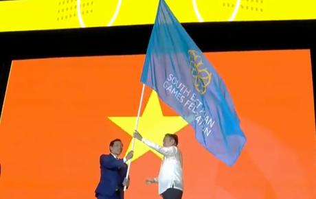 Trực tiếp bế mạc SEA Games 30: Việt Nam nhận cờ đăng cai SEA Games 31
