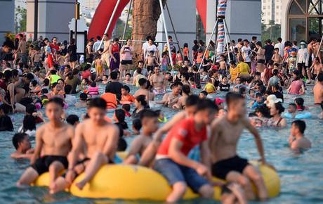 Nóng: Thêm bé trai 6 tuổi đuối nước tử vong ở công viên Thanh Hà