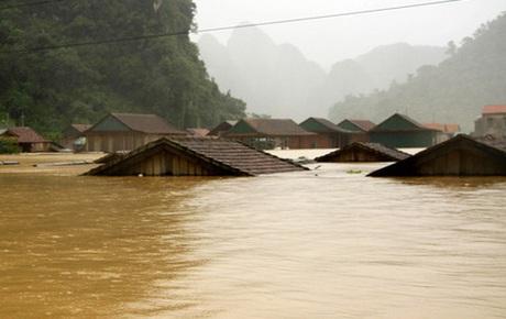 Cảnh báo nguy cơ cao xảy ra lũ đặc biệt lớn trên các sông tại Hà Tĩnh, Quảng Bình