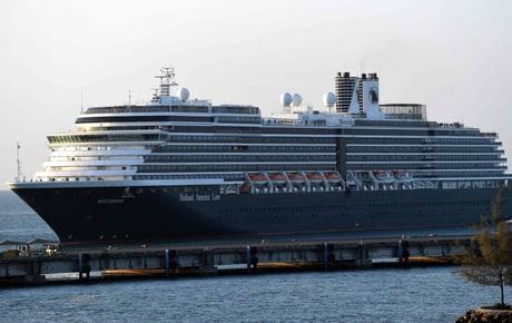 Du thuyền Westerdam cập cảng Campuchia: Hơn 1000 hành khách bị truy tìm sau khi có trường hợp nhiễm virus corona