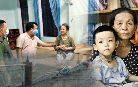 """Người dân Đà Nẵng gấp rút sơ tán trong đêm: """"Bão dịch chưa qua, bão thiên tai lại tới!"""""""