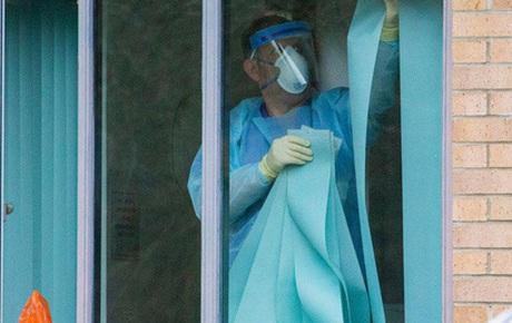 Nam tiếp viên Vietnam Airlines vi phạm quy định cách ly tại nhà, tiếp xúc với bạn bè và người thân trong đó có bệnh nhân 1347