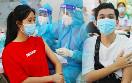 """Những học sinh đầu tiên ở TP.HCM được tiêm vaccine Covid-19: """"Em mong được đi tiêm nhưng cứ thấy mũi kim là em sợ"""""""