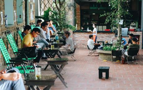 Lâu lắm rồi người Sài Gòn mới được ngồi thưởng thức cafe tại quán!