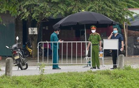 NÓNG: Phong toả Bệnh viện Bệnh Nhiệt đới Trung ương cơ sở 2