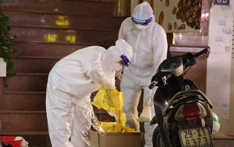 Lịch trình nữ điều dưỡng Bệnh viện Bệnh Nhiệt đới TW dương tính SARS-CoV-2: Ăn liên hoan, đi xe khách từ Nam Định lên Hà Nội, đi làm, uống cafe