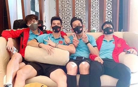 """Cập nhật: Dàn nam thần của đội tuyển đã về nước, Tiến Linh up ảnh """"Hello Việt Nam!"""""""