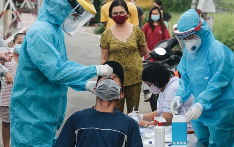 Một phụ nữ mắc Covid-19 có hành trình TP.HCM - Nội Bài, Hà Nội khẩn tìm người trên chuyến bay liên quan