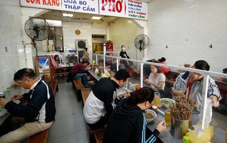 Hoả tốc: Từ 0h ngày 22/6, Hà Nội mở lại tiệm cắt tóc, cửa hàng ăn uống trong nhà