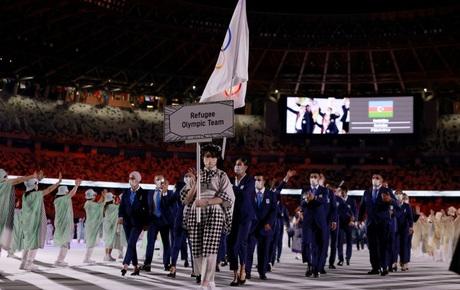 Trực tiếp lễ khai mạc Olympic 2020: Các đoàn thể thao bước ra trong nền nhạc sôi động