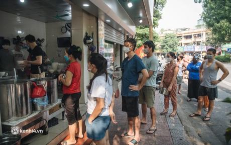 CHÍNH THỨC: Hà Nội công bố 19 quận, huyện, thị xã được bán hàng ăn, uống mang về từ 12h ngày 16/9