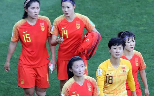 """Tuyển nữ Trung Quốc """"bơ vơ"""": Xin ở Australia tránh dịch chờ sang Hàn Quốc thi đấu, nhưng rồi mọi kế hoạch lại toang vì Covid-19"""