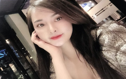 Hot girl 18 tuổi ở TP HCM cầm đầu đường dây bán dâm 30 triệu, sex tour trăm triệu đồng