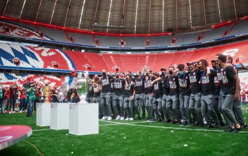 Lễ mừng công lặng lẽ của Bayern trên sân không khán giả