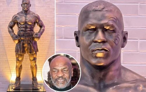 """Huyền thoại Mike Tyson được tri ân bằng bức tượng thảm họa, fan lập tức đào lại """"kỷ niệm buồn"""" trước kia của Ronaldo"""