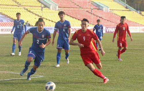Sau quá nhiều sốt ruột và lo lắng, U23 Việt Nam vỡ òa với bàn thắng đẳng cấp để giành trọn 3 điểm ở trận ra quân