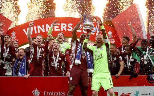 """Leicester vô địch FA Cup nhờ cú nã đại bác """"cháy lưới"""" Chelsea và drama """"hút chết"""" phút 90"""