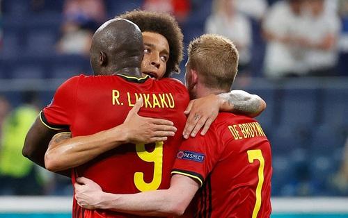 Thắng nhẹ nhàng 2-0 trước Phần Lan, tuyển Bỉ hiên ngang bước vào vòng 1⁄8 với 3 trận toàn thắng