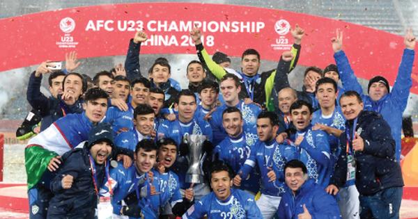 Fanpage AFC thay cover đội thắng, giữa hàng trăm bình luận lọt thỏm 4 chia sẻ của fan Uzbekistan nhưng đó đều là lời khen cho Việt Nam!