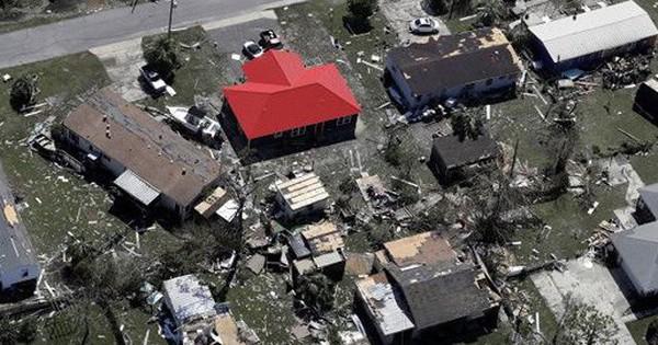Khung cảnh tan hoang sau bão Michael nhìn từ trên cao