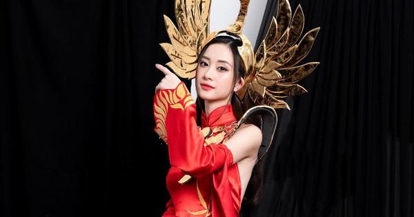 Jun Vũ đốn tim cộng đồng mạng trong bộ trang phục áo dài đầy duyên dáng