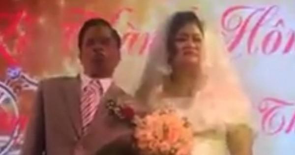 Đám cưới đầy xúc động của chú rể khuyết tật với cô dâu kém 20 tuổi ở Hải Phòng