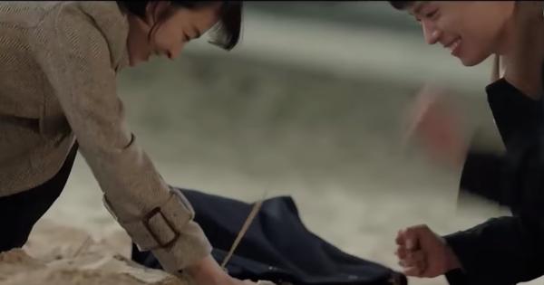 Encounter tập 3: Vừa dính scandal ''đánh lẻ'' đi ăn mỳ, Park Bo Gum - Song Hye Kyo lại kéo nhau ra biển hẹn hò