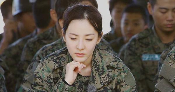 """Không phải Big Bang, Dara đã hỏi mỹ nam này """"bí kíp"""" trước khi nhập ngũ!"""