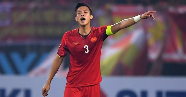Đội phó tuyển Việt Nam bất ngờ phải tập riêng trước chung kết lượt về AFF Cup 2018