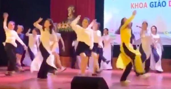 Clip cô giáo nhảy nhạc remix trên sân khấu được dân mạng chia sẻ ầm ầm vì quá đỗi dễ thương