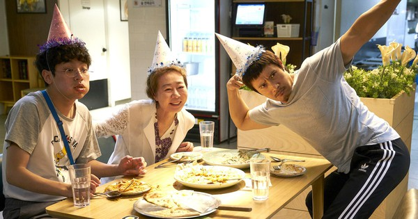 Điều đặc biệt đằng sau bức ảnh ba mẹ con trong phim Hàn xúc động nhất đầu 2018