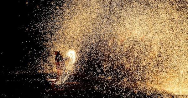 Ngắm nhìn màn trình diễn pháo hoa cực đẹp nhưng nguy hiểm tột cùng