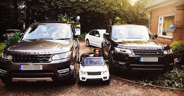 """Chi 650 triệu mua sắm cho con trai 2 tuổi, cặp vợ chồng trẻ vẫn khẳng định """"không làm hư con"""""""