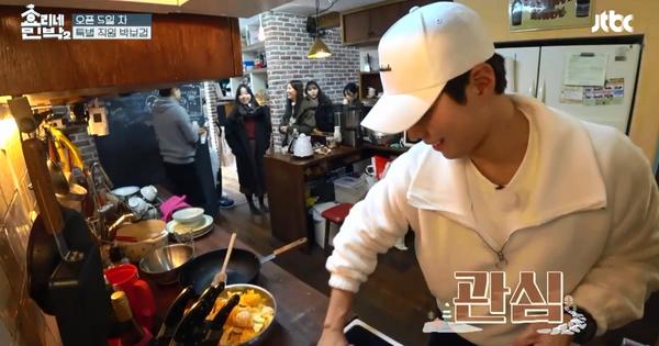 """Dọn nhà, lau bếp… """"chàng nhân viên"""" Park Bo Gum đã dần quen việc tại show thực tế nhà Hyori!"""