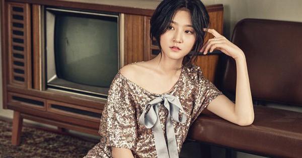 Kim Sae Ron: Chưa đầy 18 tuổi đã hai lần sải bước thảm đỏ Cannes, bỏ xa hai mỹ nhân cùng thế hệ