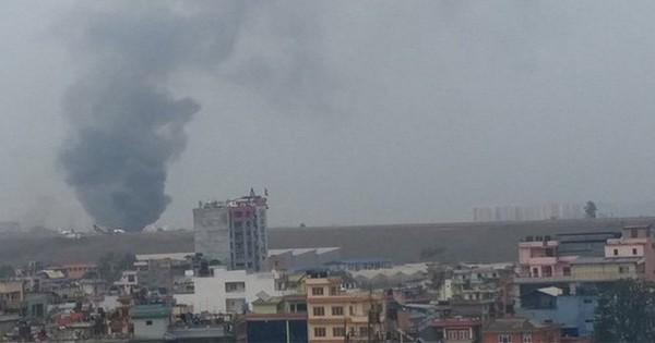 Máy bay chở khách của Bangladesh rơi tại thủ đô Kathmandu của Nepal