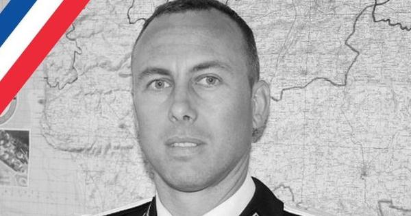 Vụ bắt cóc con tin ở Pháp: Một cảnh sát bị thiệt mạng