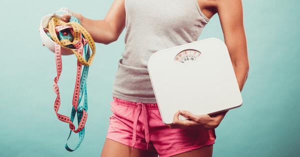 """Lý do khiến các cô nàng """"nấm lùn"""" khó giảm cân hơn và đây là giải pháp"""