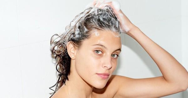 Áp dụng ngay những mẹo này để tạm biệt bệnh ngứa da đầu những ngày nắng nóng