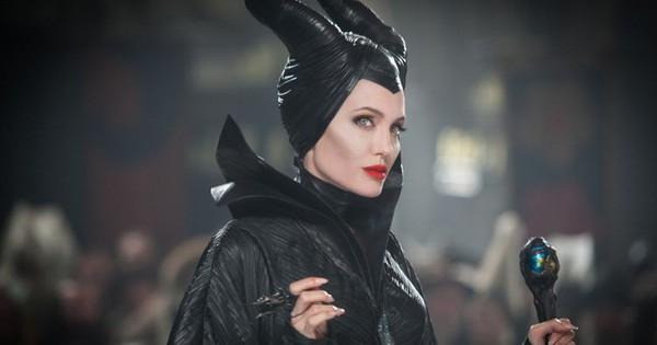 """""""Maleficent 2"""" gây nôn nao khi hai mẹ con """"tiên hắc ám"""" Angela Jolie đăng ảnh nhí nhảnh ngay phim trường"""